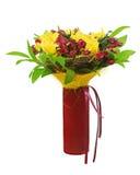 Красочный centerpiece расположения букета цветка в красной вазе. Стоковые Фотографии RF