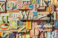 Красочный grungy коллаж письма алфавита Стоковое Изображение