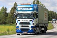 Красочный Scania переход тележки Semi Стоковое Фото