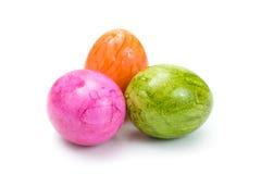 3 красочных пасхального яйца на белой предпосылке Стоковые Изображения RF