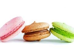 3 красочных macaroons (печенья миндалины) Стоковые Фото