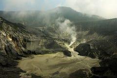 Кратер вулкана Tankuban Prahu Стоковые Изображения RF