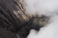 Кратер действующего вулкана Bromo Стоковая Фотография RF