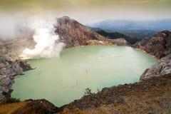 Кратер Ijen, Ява, Индонезия Стоковая Фотография RF
