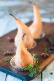 Краденные груши с специями в сиропе Стоковые Фотографии RF