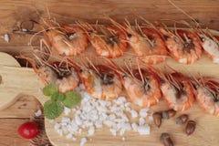 Креветка или креветка испеченные с солью очень вкусный Стоковые Изображения RF