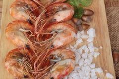 Креветка или креветка испеченные с солью очень вкусный Стоковое Изображение RF
