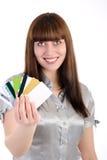 кредит карточек показывает женщину Стоковые Фотографии RF