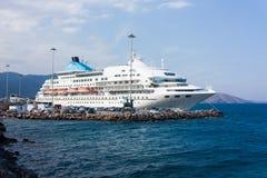 Крейсер в порте Стоковые Фотографии RF