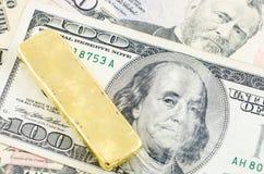 кренить золот в слитках золотистый слиток Стоковые Фотографии RF