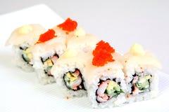 Крен Канада Uromaki Суши в nori Японская еда на красивом блюде еда диетпитания стоковые фото