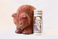 Крен медведя и доллара стоковая фотография rf