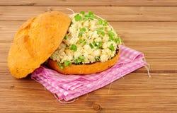 Крен сандвича взбитого яйца и кресса Стоковые Изображения