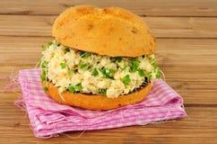 Крен сандвича взбитого яйца и кресса Стоковое Фото