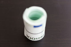 Крен 100 счетов евро Стоковые Изображения