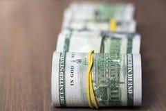 Крен 100 счетов доллара США Стоковые Фото