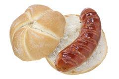 Крен хлеба и зажаренная сосиска Стоковое Изображение RF