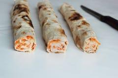 Крен хлеба pitta, моркови, яичек лежит Стоковые Изображения RF