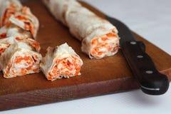 Крен хлеба pitta, моркови, яичек лежит Стоковая Фотография