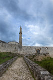 Крепость в Travnik с мечетью и Minarett стоковое изображение