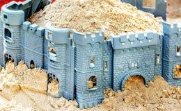Крепость игрушки в ящике с песком ` s детей Стоковое Изображение