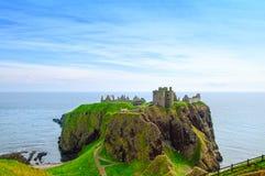 Крепость или замок Dunnottar шотландские средневековые гористые местности Шотландия Стоковые Фотографии RF