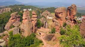 Крепость Belogradchik между утесами Стоковые Изображения