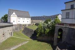 Крепость Konigstein, также вызвала Saxon Бастилию в крепости вершины холма исторической около Дрездена в Saxon Швейцарии в Герман стоковые изображения rf