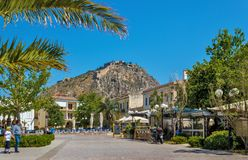 Крепость Palamidi и городок Nafplio в Греции стоковая фотография