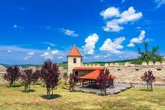 Крепость Rupea, Трансильвания, Румыния: Средневековая крепость города в области Трансильвании исторической Румынии стоковое изображение