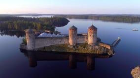 Крепость Savonlinna, предыдущая антенна утра в июле Финляндия сток-видео