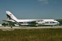 Крестоносец USN Vought F8U готовый для другой миссии 3-его февраля 1980 стоковое изображение