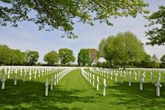 Кресты в длинных кривых на американском кладбище Margraten Стоковое Изображение RF