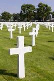 Кресты на могилах на кладбище войны Margraten Стоковая Фотография