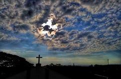 Крест и облака стоковое фото