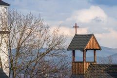 Крест на деревянной крыше Стоковые Фотографии RF