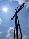 Крест на предпосылке ясного неба на верхнем Biaklo (или m Стоковая Фотография