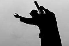 крест нося его jesus Стоковая Фотография RF