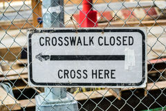 Крест Crosswalk закрытый здесь Стоковая Фотография RF
