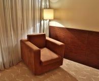 Кресло Брайна и лампа пола стоковое изображение rf