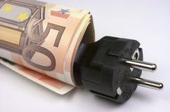 Кредитки и штепсельная вилка евро стоковая фотография rf