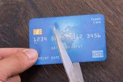 Кредитная карточка вырезывания Стоковая Фотография RF