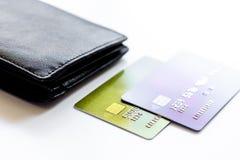 Кредитные карточки с бумажника конца покупками вверх - онлайн Стоковые Фотографии RF