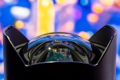 Кривая объектива широкоформатного фронта fisheye стеклянная стоковое фото rf
