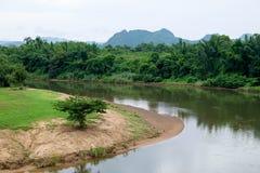Кривая реки Kwai Noi в провинции Kanchanaburi, Таиланде Стоковые Фотографии RF