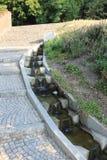Кривые пути на холме petÅ™Ãn, Праге, чехии стоковая фотография