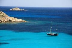 кристаллическая вода sailing Стоковые Фото