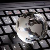 кристаллическая компьтер-книжка клавиатуры глобуса Стоковые Фотографии RF