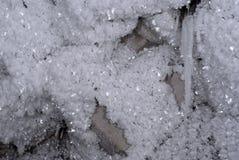 Кристаллы изморози на подземном утесе стоковые изображения rf