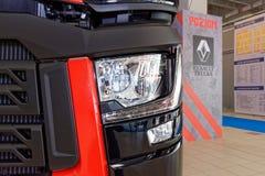Кристалл Renault и современная передняя фара Стоковое Изображение